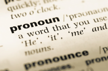 Pengertian Pronoun